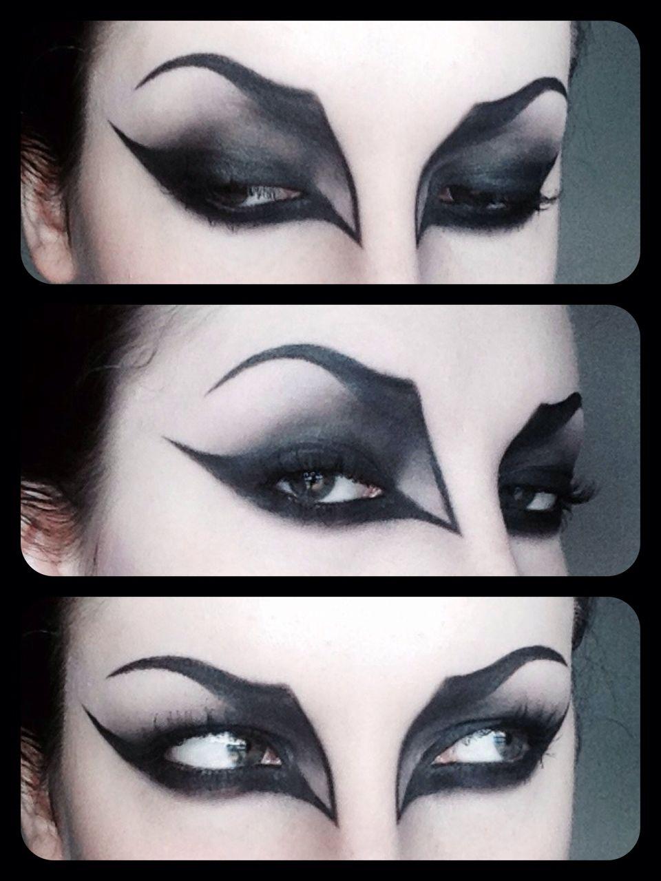 Maquillage des yeux de vampire halloween pinterest yeux de vampire maquillage des yeux et - Maquillage vampire halloween ...