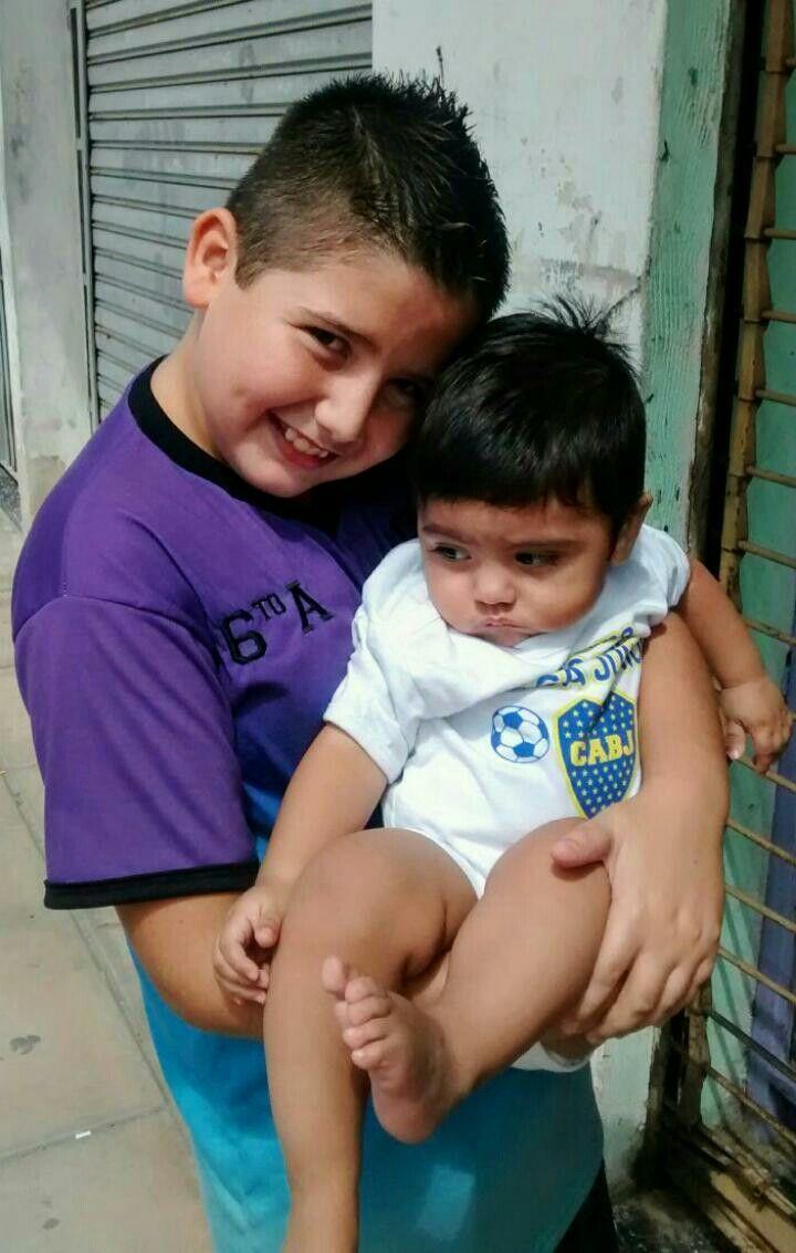 Mis sobrinitos Román y Agustín la alegría de mí vida
