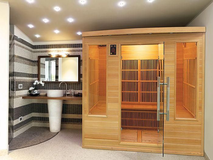 Les deux fenêtres et la porte donnent à ce sauna infrarouge lu0027allure - faire un sauna maison
