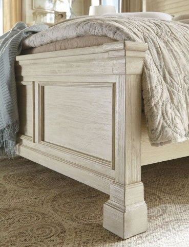 Best Bolanburg White Panel Bedroom Set In 2020 White Paneling 400 x 300