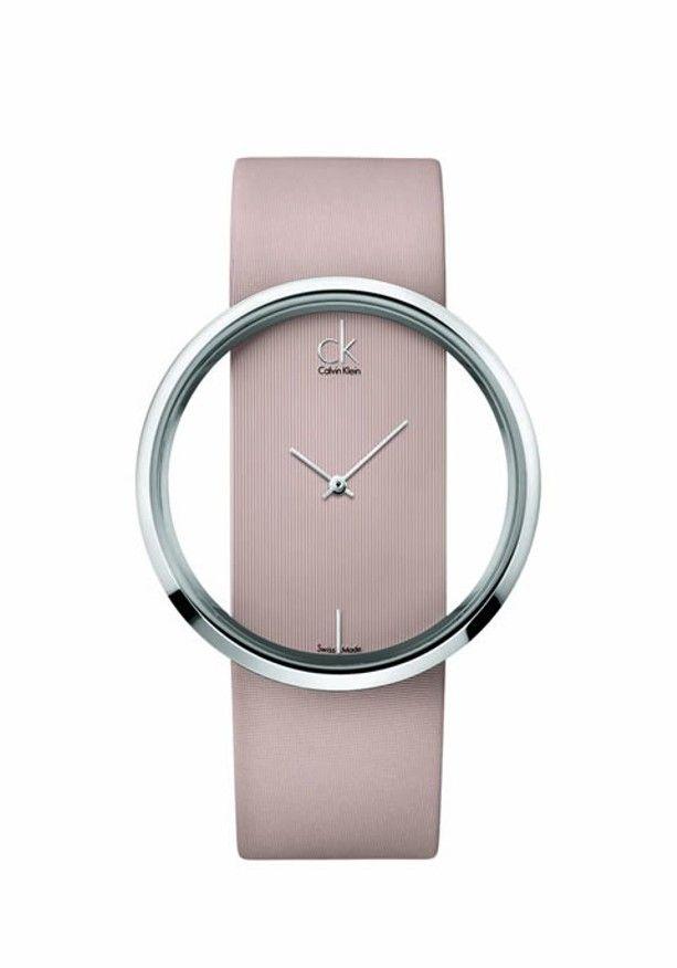 Os relógios da Calvin Klein chegarão ao Brasil. Os modelos da coleção  apostam em uma tendência minimalista, com muita elegância e sofisticacção  prometem ... 994e9ae7aa