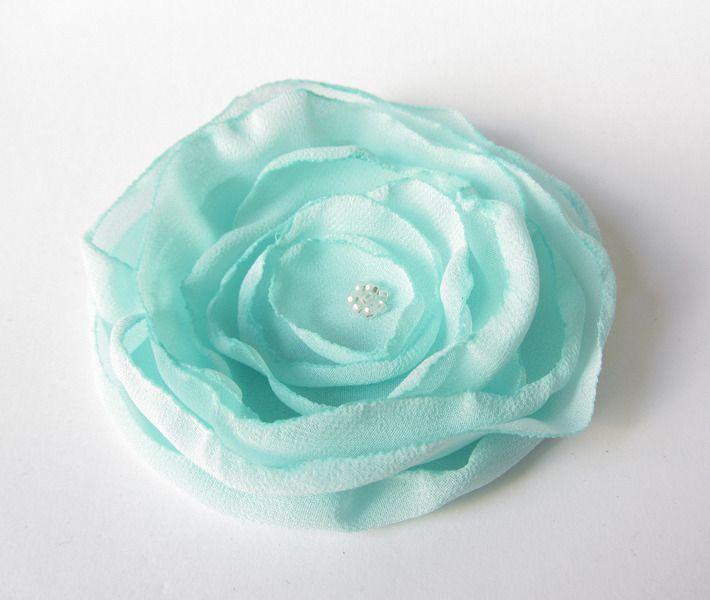 Anstecker - Blüten - Anstecker Brosche Chiffon-Blüte in mint - ein Designerstück von soschoen bei DaWanda