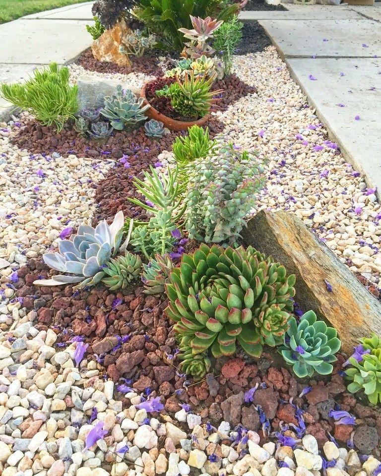 35 Amazing Front Yard Design To Maximize Your Garden Space Succulent Landscape Design Rock Garden Landscaping Succulent Garden Landscape