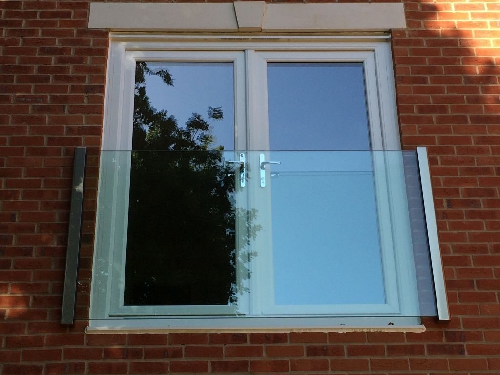 Frameless Glass Juliet Balcony Glass Juliet Balcony
