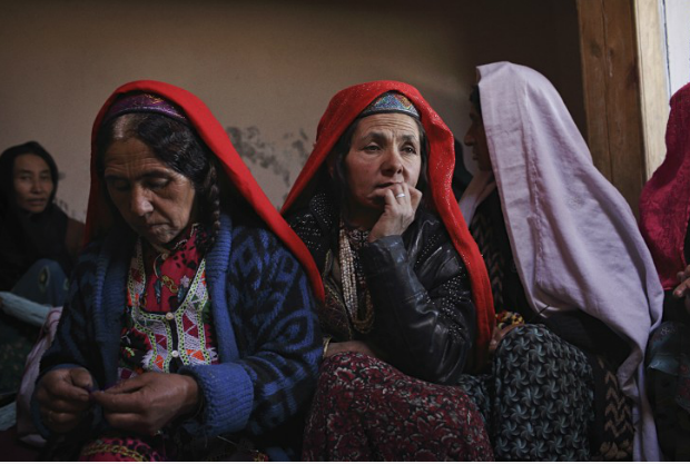 5cents a pound | The Wakhan Corridor (2015) - Andrew Quilty / Oculi...