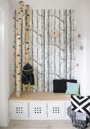 Selbst gebaute neue Garderobe mit Birkenstämmen #wanddekowohnzimmer