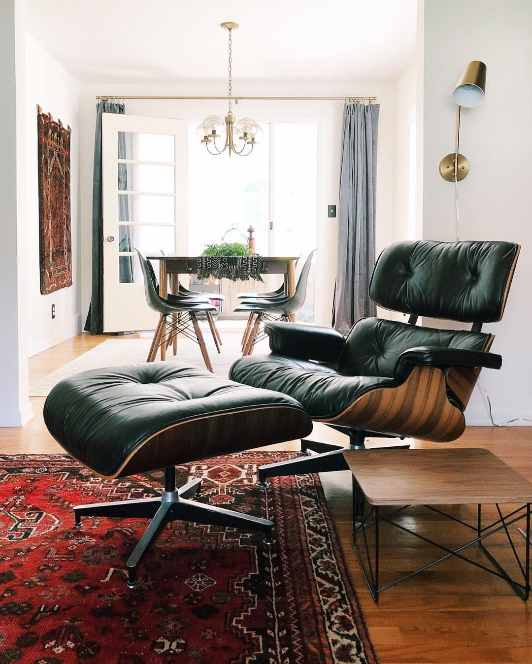 Eames Lounge Chair Living Room many people can't tell if they've come across an authentic