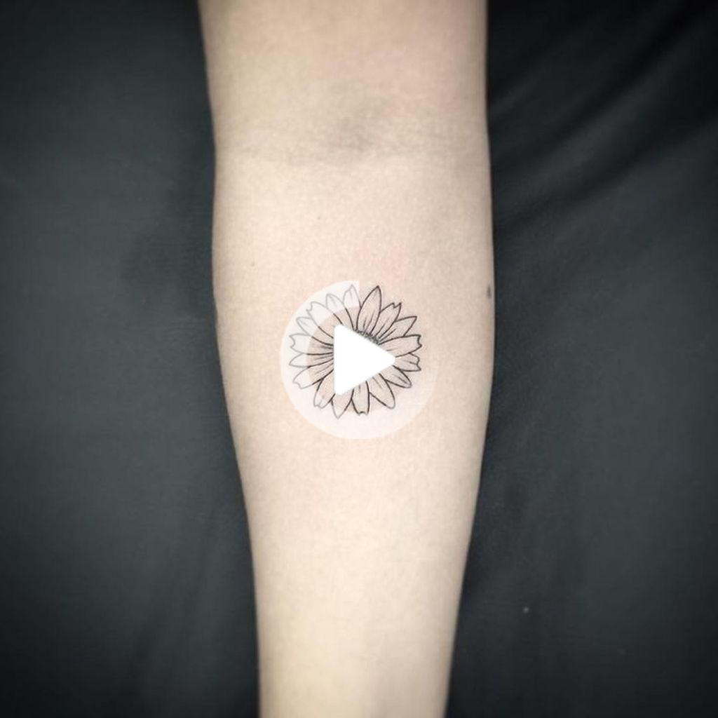 39 Impressive Black And White Sunflower Tattoo Ideas Sunflower tattoo -  39 Impressive Black And White Sunflower Tattoo Ideas Sunflower tattoo  - #black #disneytatto #dragontatto #Ideas #Impressive #simpletatto #sunflower #sunflowertatto #tattoo #White #sunflowertattoos