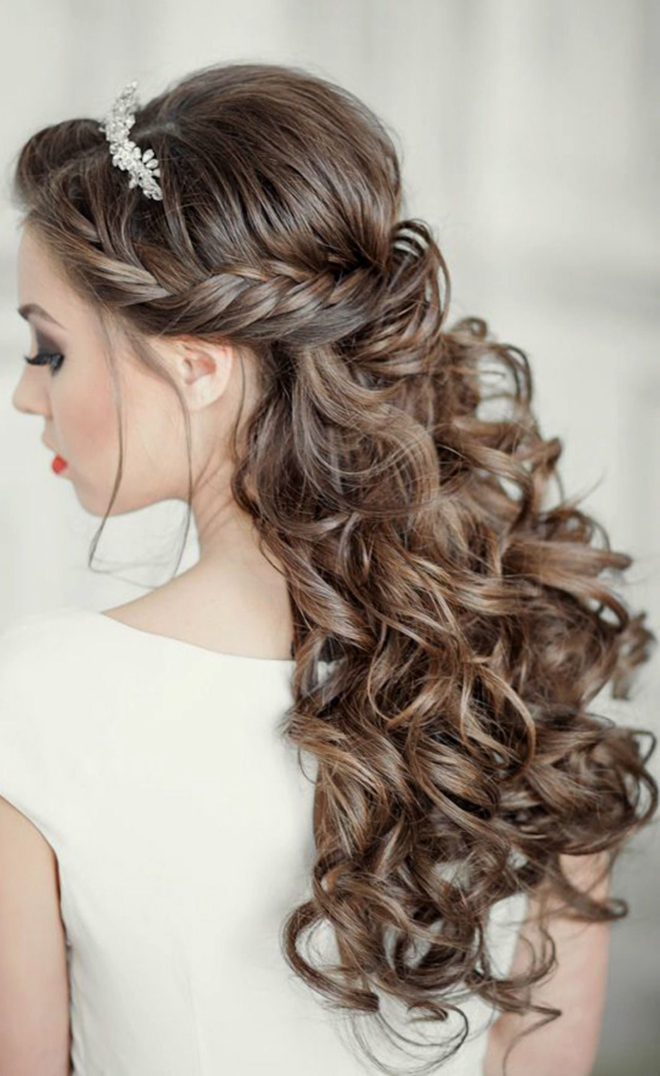 23 gorgeous bridal hairstyles for curly hair | bridal hairstyle