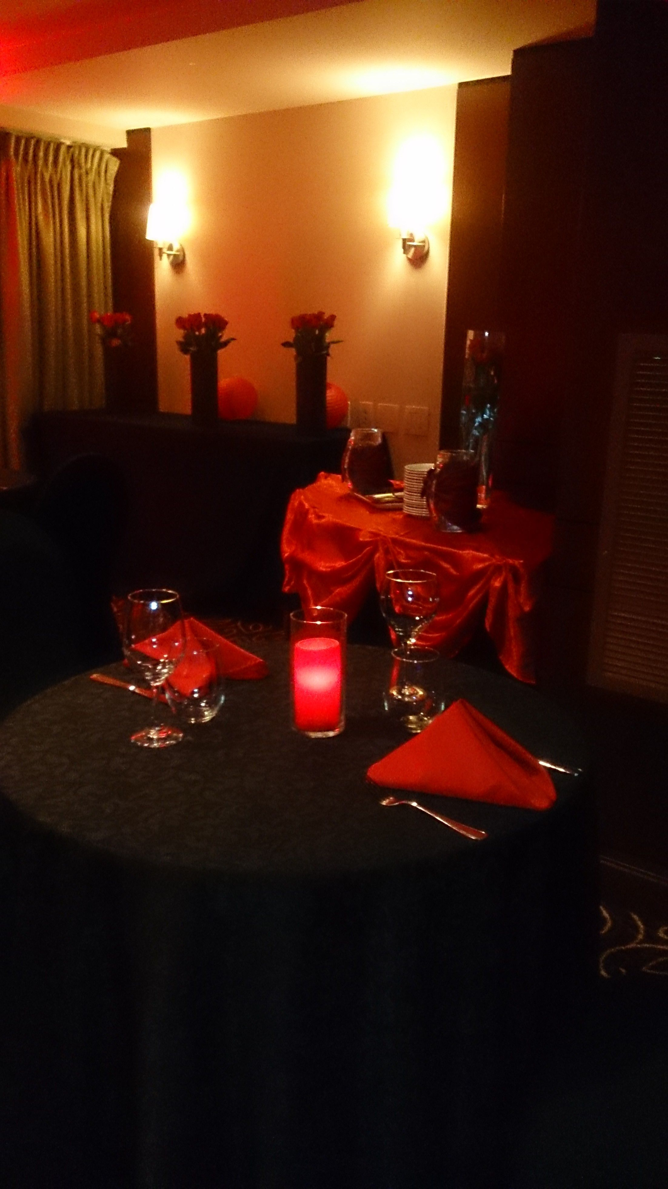 Valentine S Day Decorations At Marco Polo S Restaurant Located Inside The Viana Hotel And Spa On Long Island Ny Restaurant Restaurant Bar Organic Wine