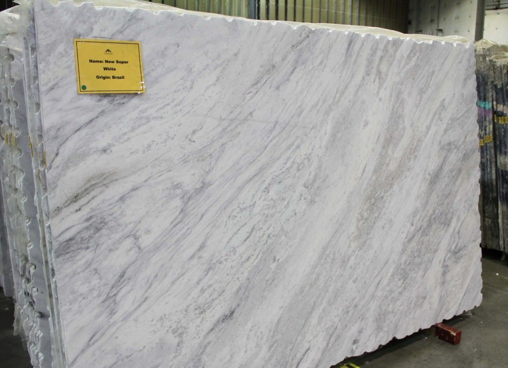 Delicieux Granite 1   New Super White. Chantilly.