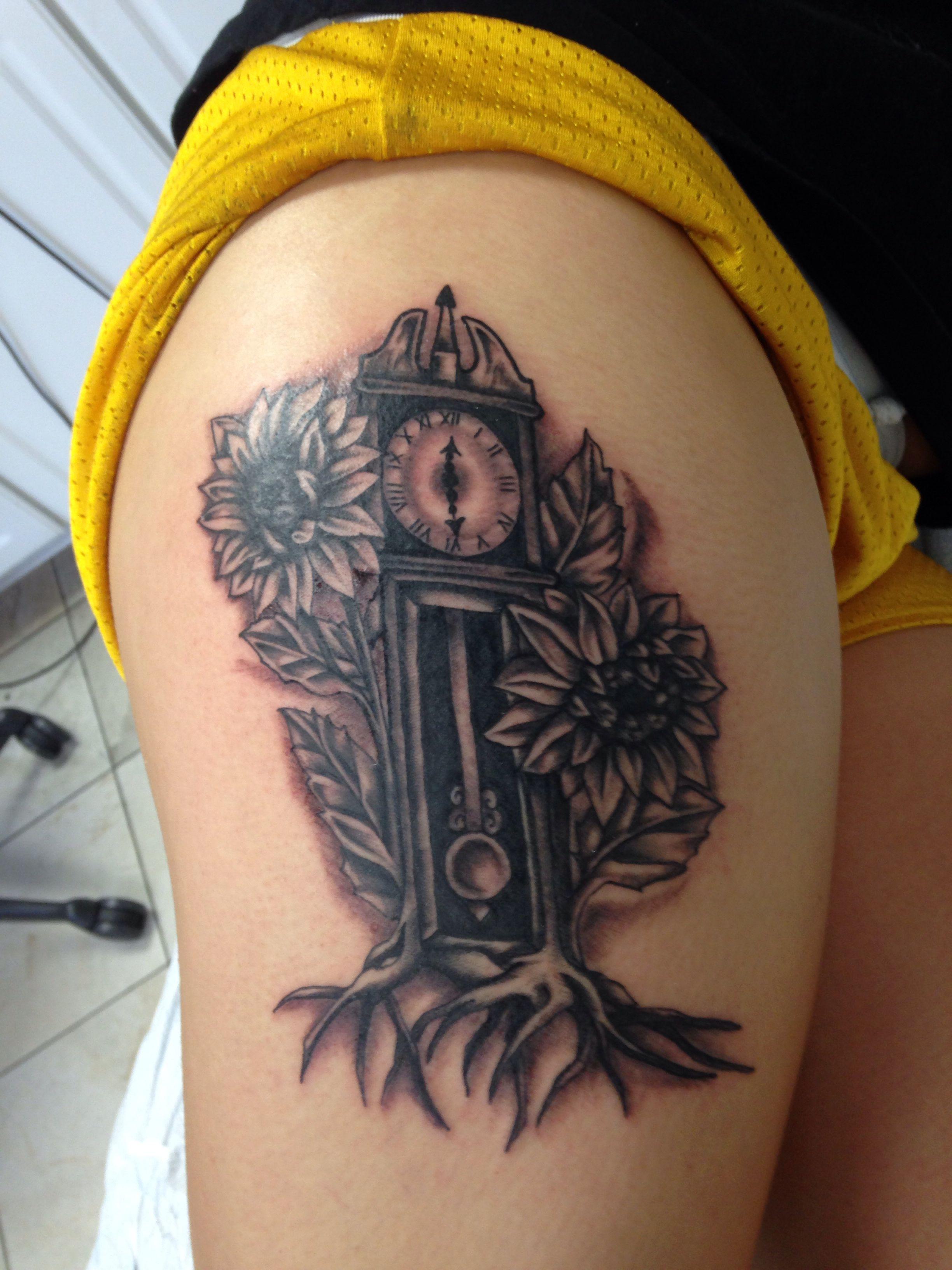 Thigh Tattoo Clock Tattoo Grandfatherclock Sunflower Thigh Tattoo Tattoos Grandfather Clock
