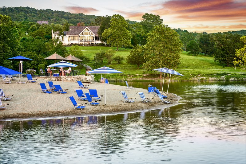 The 10 Most Beautiful Lakeside Hotels In The World Lakeside Hotel Resort Hotels And Resorts