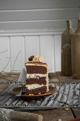 Erdnuss Karamell Torte nach Snickers Art / Snickers Cake Recipe ...