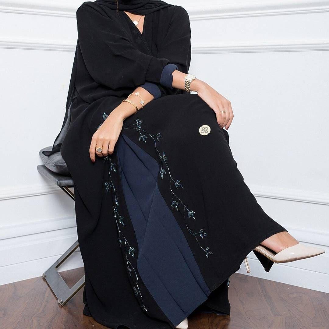 Repost Elegant Boutique With Instatoolsapp E21 عباية سودا مع كحلي مع شك Subhanabayas Fashionblog L Abaya Fashion Abaya Fashion Dubai Abayas Fashion