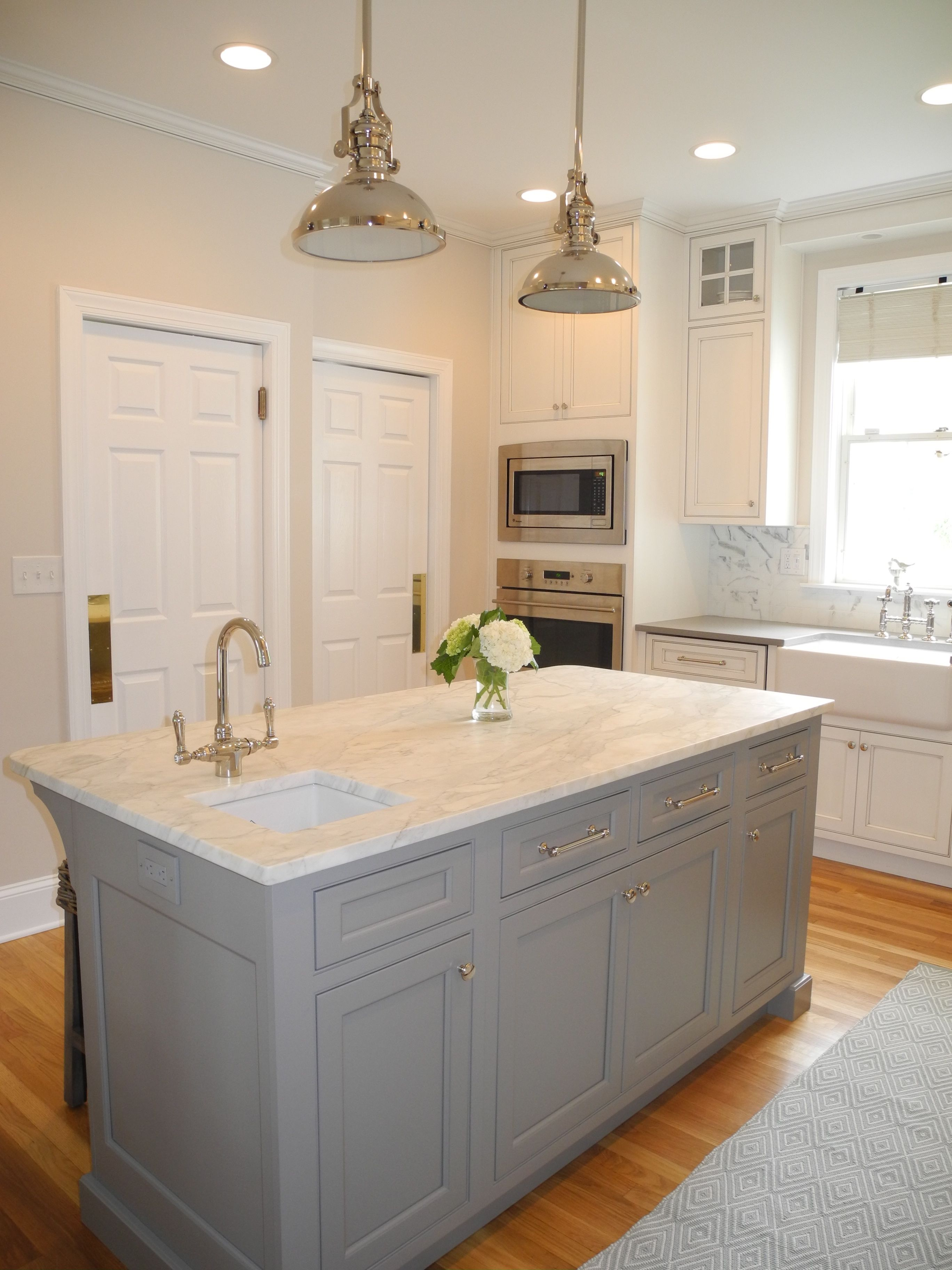 Contrasting Plain And Fancy Island And Cabinets Kitchen Projects Kitchen Mill Valley Kitchen