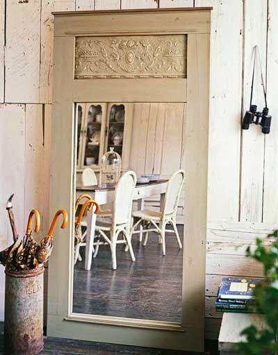 40 ideas para reutilizar una puerta antigua mil ideas for Manualidades con puertas viejas