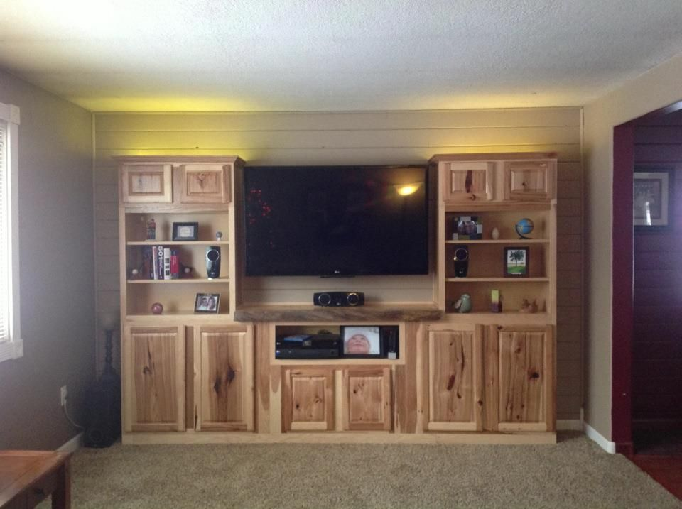 New Entertainment Center Completed 1 4 13 Using In Stock Lowe S Cabinets