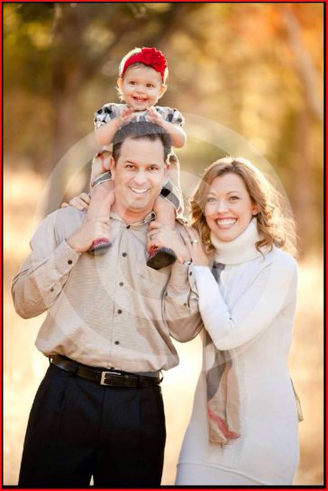 Family Burberry Christmas Photo | Babes | Pinterest | Picture ideas ...