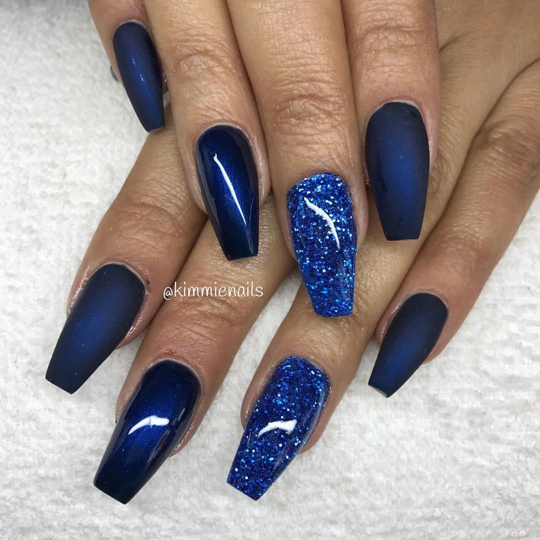 Midnight blue, & blue glitter #naglar #nagelkär #nagelteknolog ...
