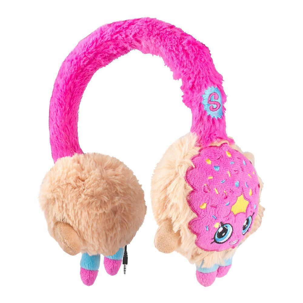 The Shopkins Over the Ears Plush Headphones Features:<br><ul><li>Retractable cable for clean, convenient storage</li><br><li>Retractable cable extensions up to 3.2 feet</li><br><li>Built in Volume Limiter controls how loud your child's music is in their ears</li><br><li>Kids safe technology</li></ul><br><br>The cutest, most-collectible characters from your favorite shop...