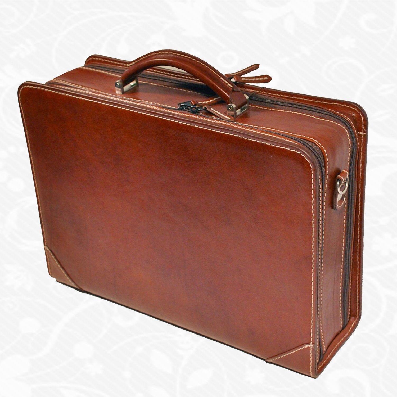 497a0900d0 Kožená aktovka a pracovný kufor z kvalitnej a odolnej kože. Aktovka je  plochá taška slúžiaca