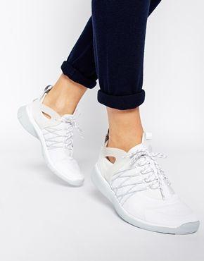 Nike Free Viritous White & Grey Trainers