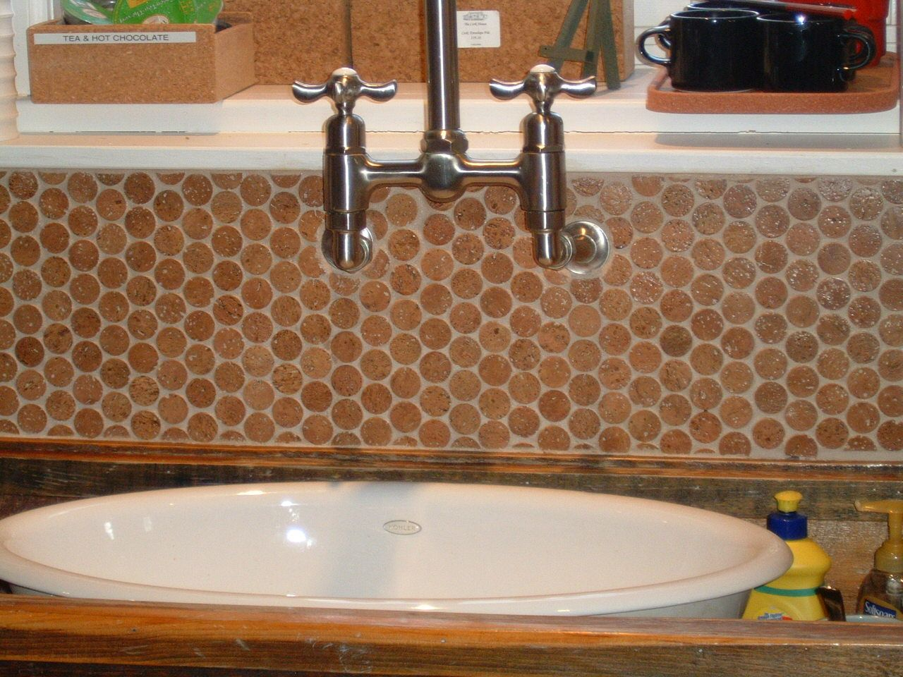 Wine Cork Backsplash YES! Eco kitchen, Tiles, Cork flooring