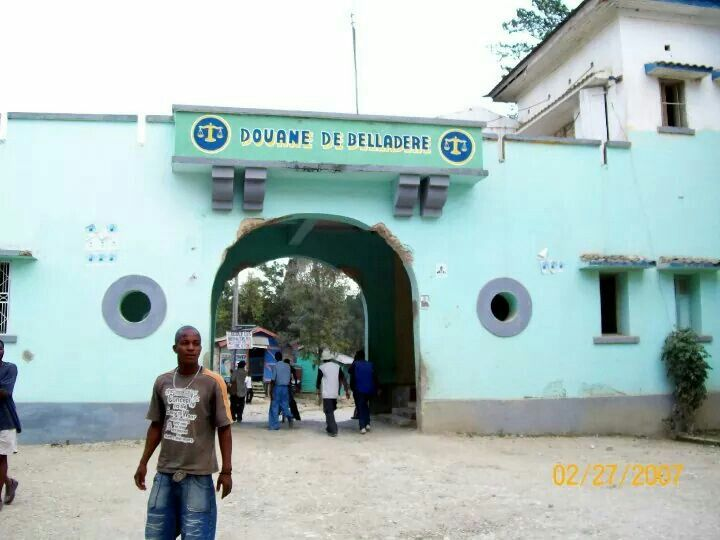 In Haiti facing Dominican Republic border