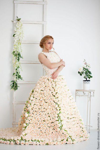 8f936c729e1 Amazing wedding dress with silk roses   Одежда и аксессуары ручной работы. Свадебное  платье из
