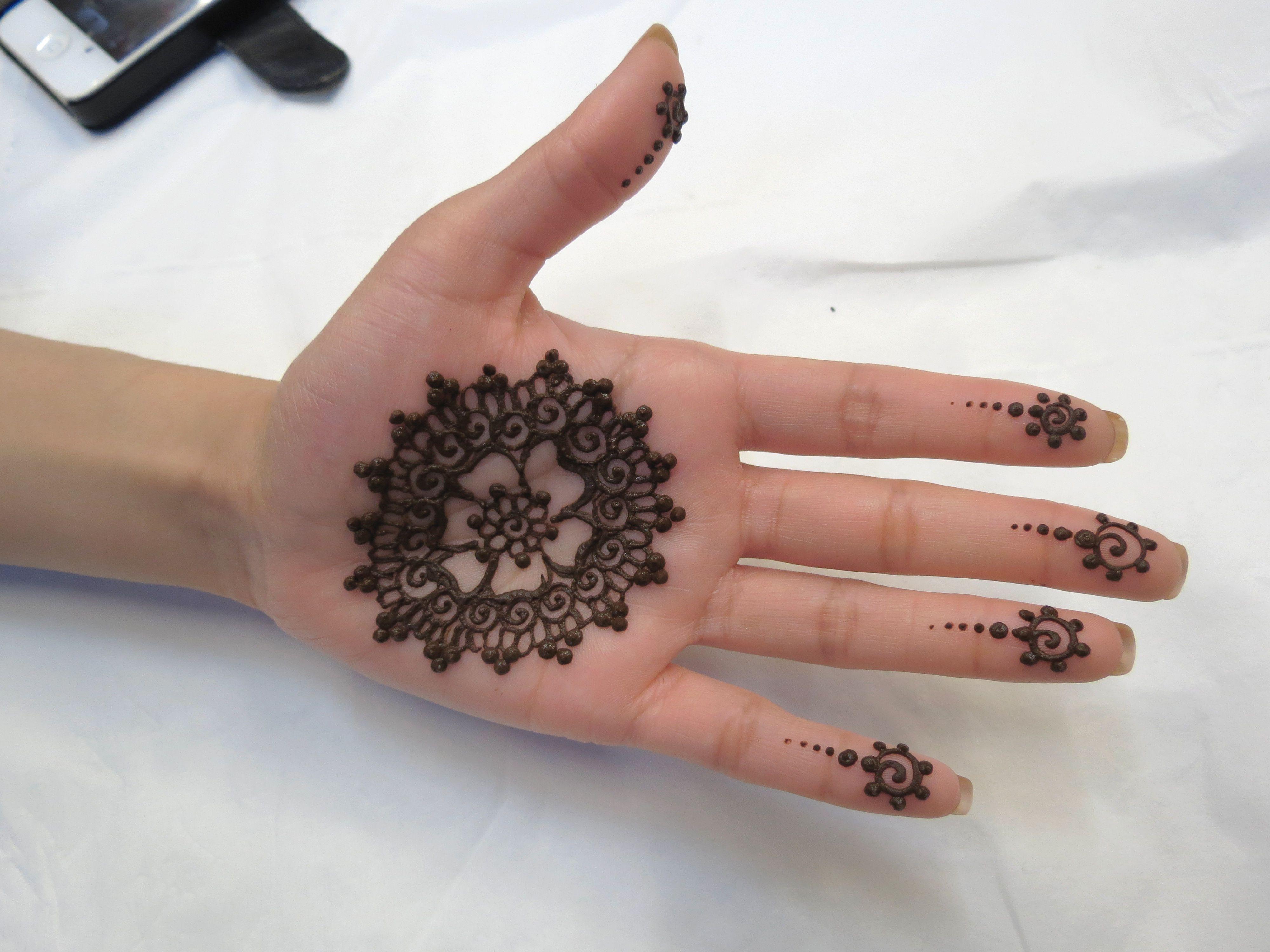 Henna Tattoo Haram: Mandala Henna Design Fundraising Syria Charity Event