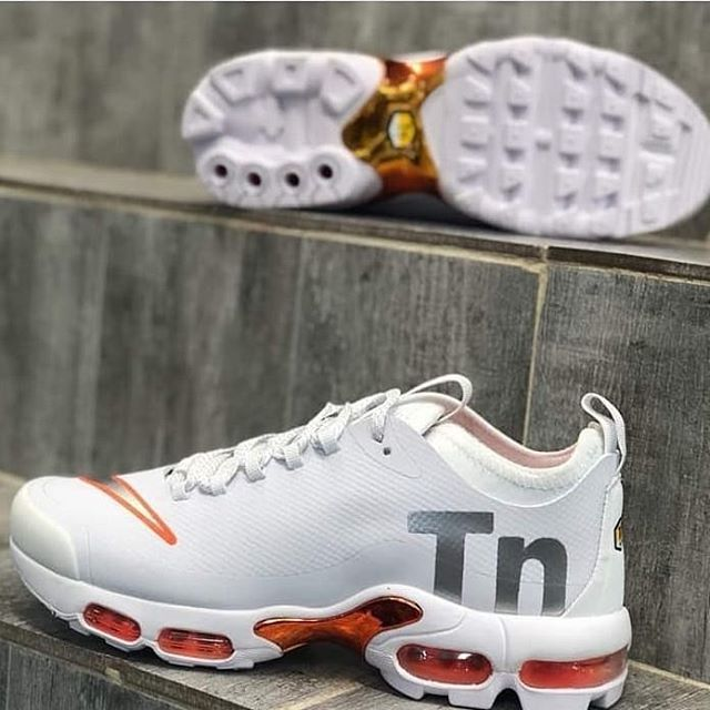 ecb5dcae5 NIKE AIRMAX TN PLUS AVAILABLE Price  26000 Comes with full box Nationwide  delivery Call or WhatsApp  08066644635  kicks mart   nigerianuniversity   Nigeria ...