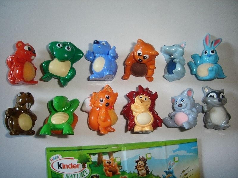 KINDER SURPRISE SET FLYING BUNNIES RABBITS TOYS FIGURES COLLECTIBLES