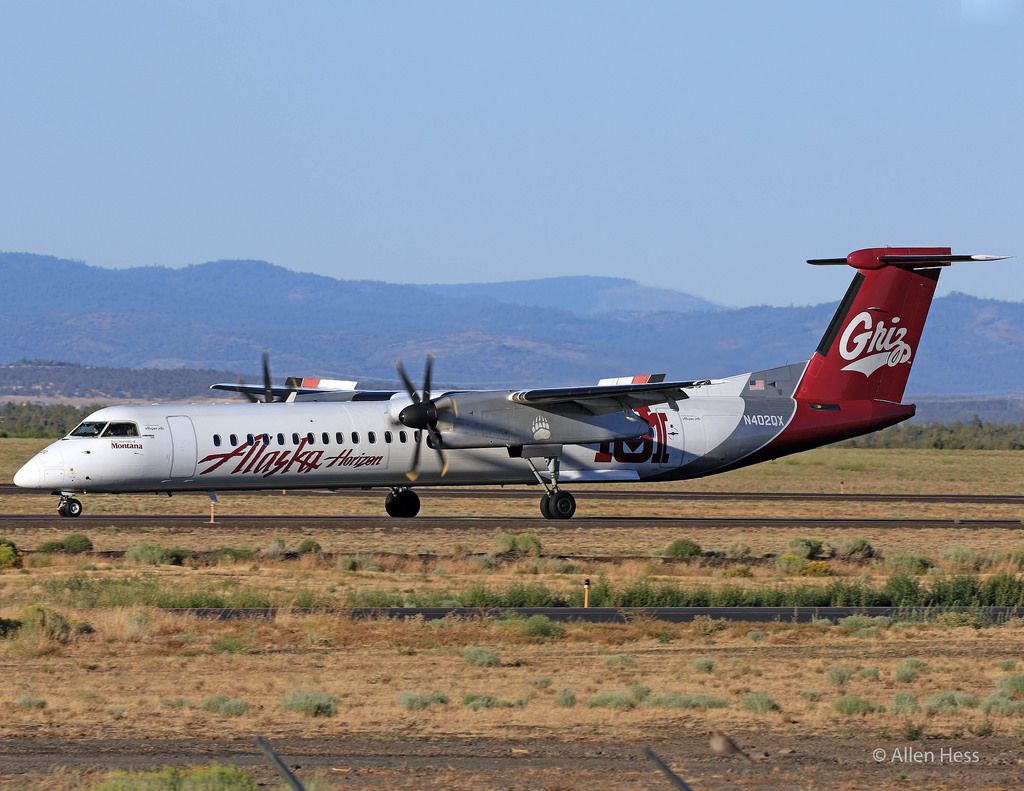 Alaska Airlines Bombardier Dash 8Q400 University of