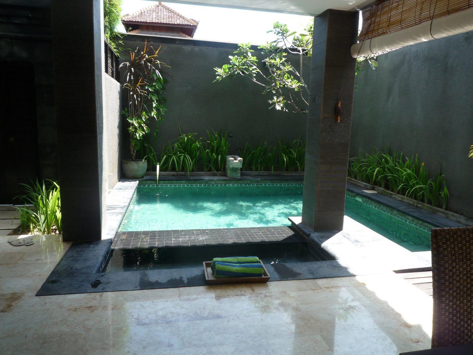 Piscina interior de una villa de lujo en el hotel annora for Pileta jardin pequeno