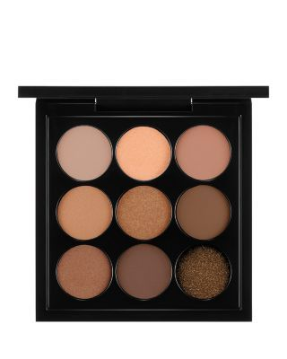 This well-edited palette features a color wave of petite hues that offer countless shade combinations. It provides an array of textures, from matte to satin to frost, for creating a variety of looks f
