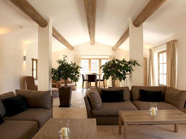 30 id es d co pour un retour la nature bois brut brut for Deco salon nature