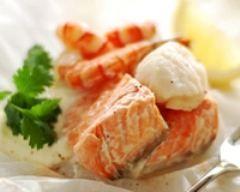 Papillotes de saumon aux crevettes et St-Jacques (facile, rapide) - Une recette CuisineAZ