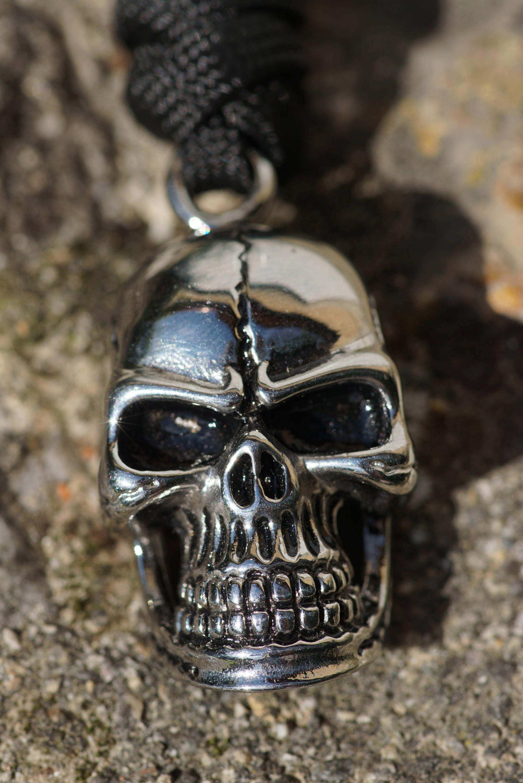 b6be57357e5 Porte-clés crâne acier