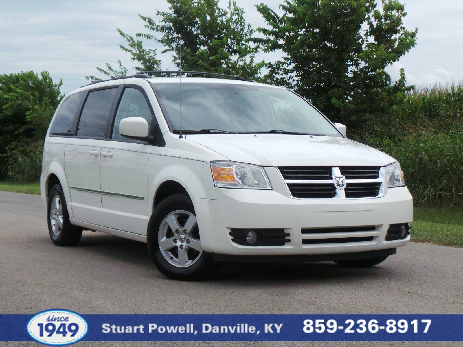 This Used 2010 Dodge Grand Caravan Sxt Lets You Cart Many People