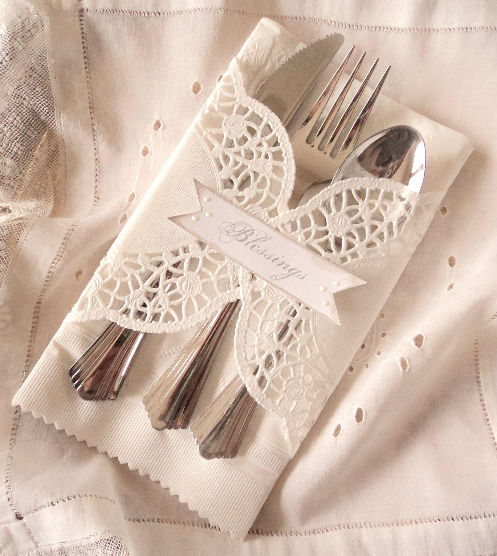 Pliage Serviette Papier Avec Couverts marque place et porte couvert 2 en 1 | serviette de table