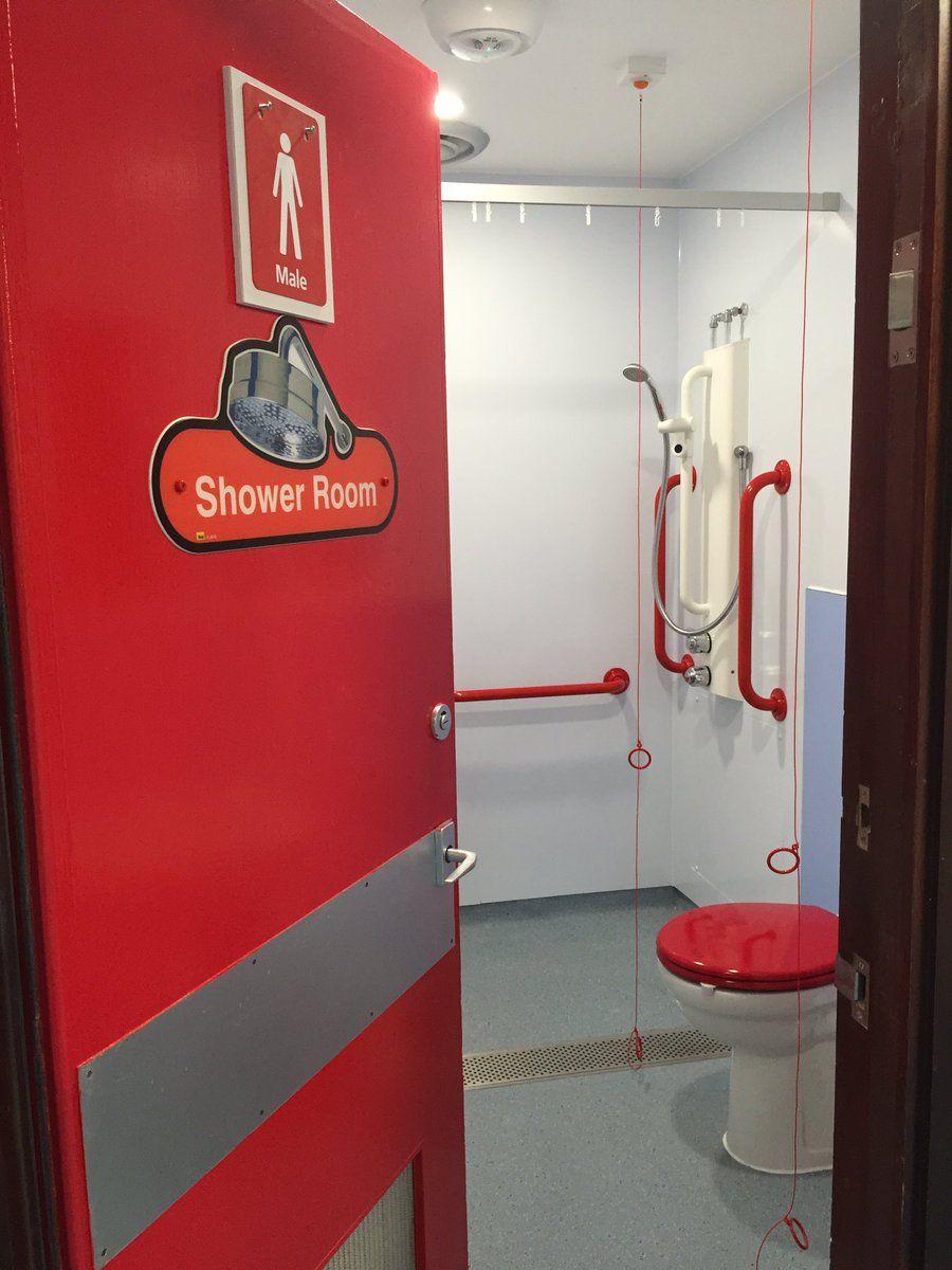 2 Twitter Toilet Design Shower Room Men In Shower