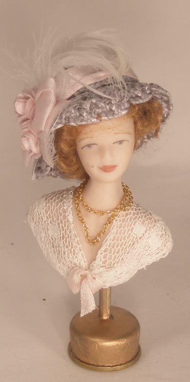 Hat Display #7 by Silvia Leiner