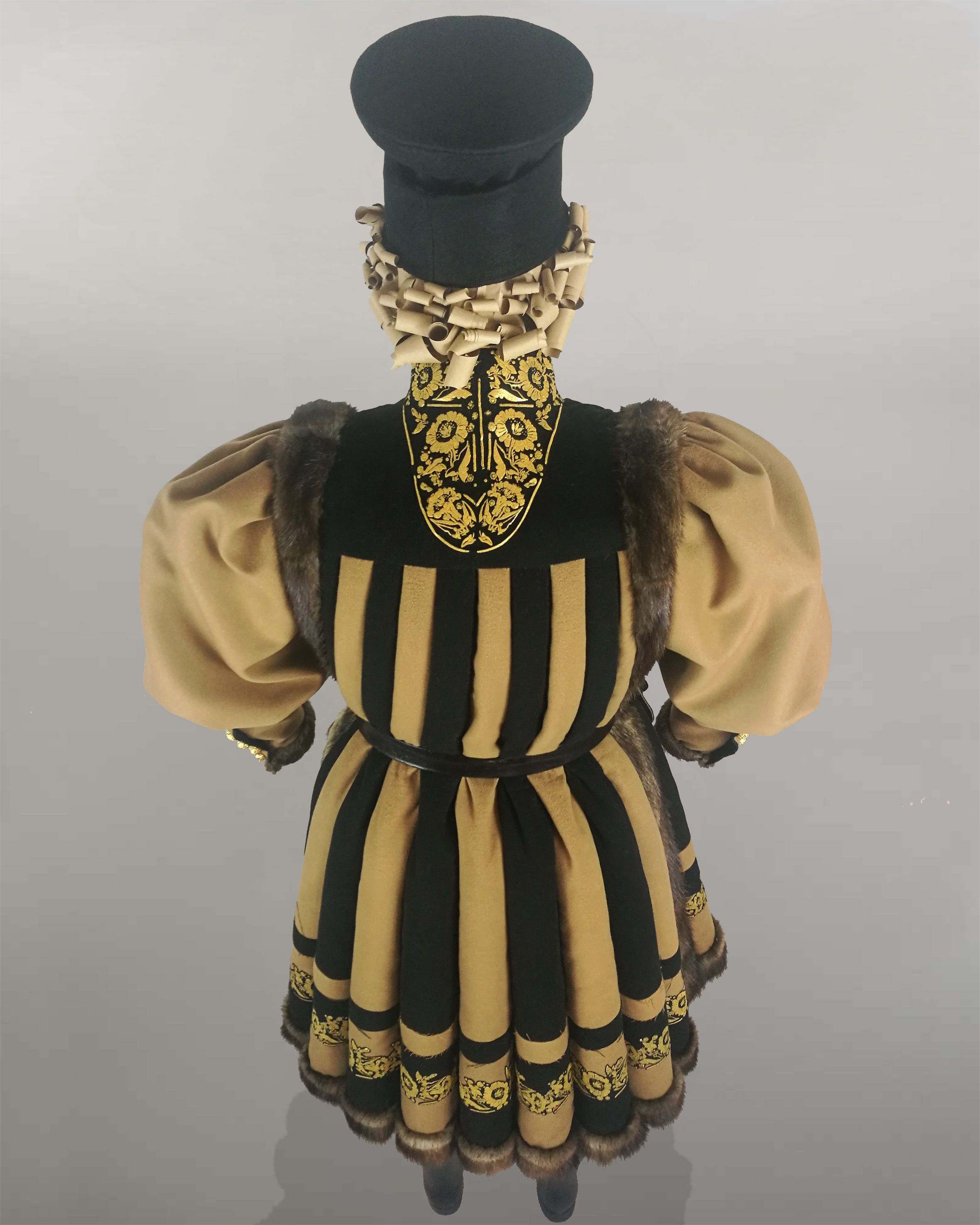 Man dress by Duchessa Embroidery Abito uomo fatto con