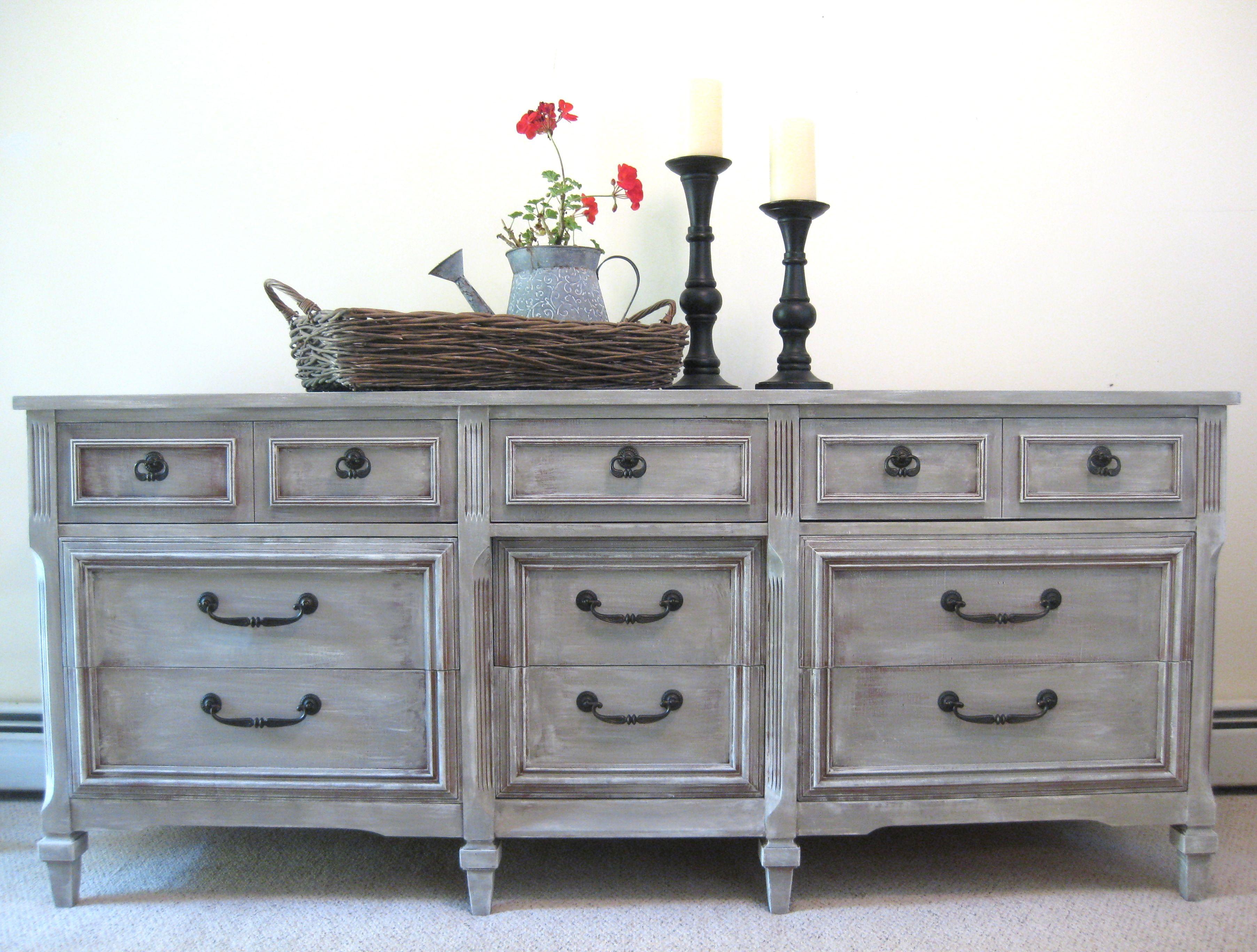 Annie sloan french linen painted dresser recamar s y for Recamaras y comedores