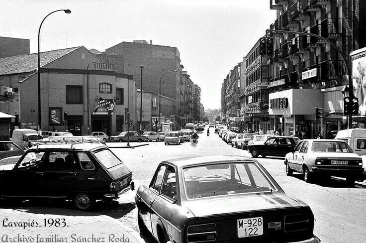 Esos magníficos vehículos que deleitaban los paseos por las calles de nuestra ciudad y que desde hace un tiempo se han convertido en nuestros clásicos más preciados.