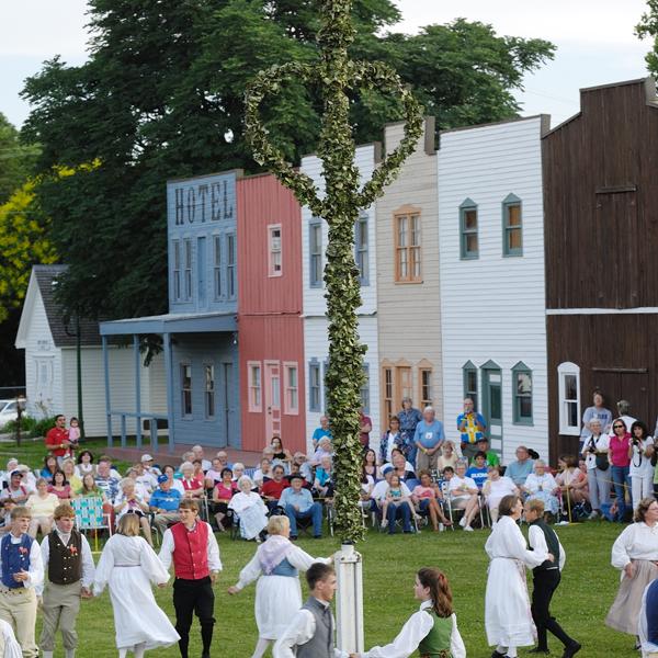 Events Midsummer S Festival In Lindsborg Ks Lindsborg Midsummer Lindsborg Kansas