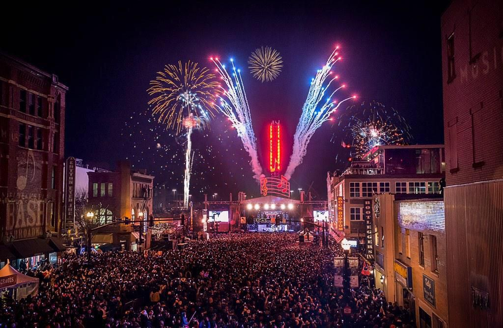 Steven Ⓜ on Twitter Nashville new years eve, New years