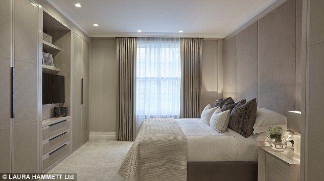 neutral bedroom design scheme presenting large   Wallis Simpson and King Edward VIII's former love nest on ...