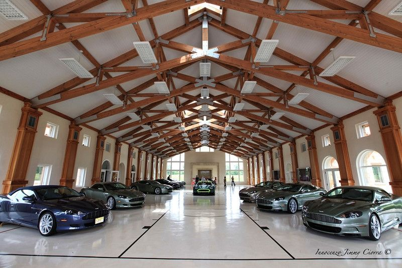 Spacious Luxury Garage Dreamgarage Mancave